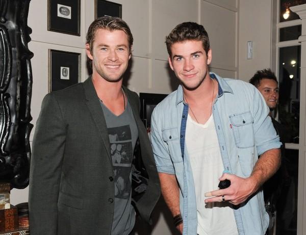 Ontem e Hoje dos irmãos Hemsworth www.pipocacafecinema.wordpress.com